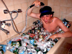 22 Worst Roommates In History